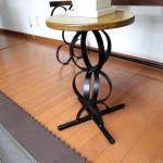 アイアンインテリア・小型丸いイス・花飾り台