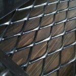 アイアン家具の素材、黒皮鉄の魅力とサビについてお伝え致します。